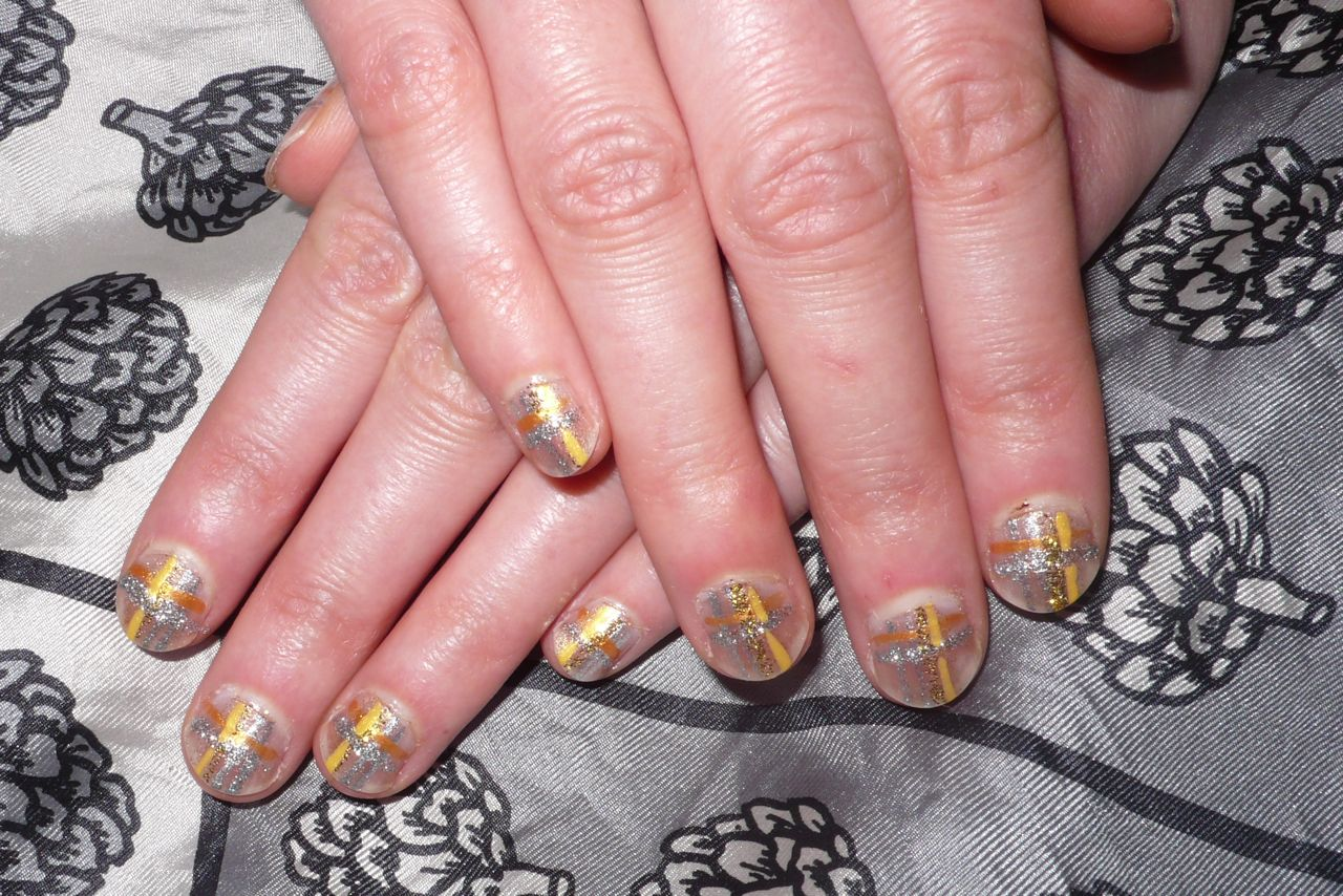 nail design in faith theme