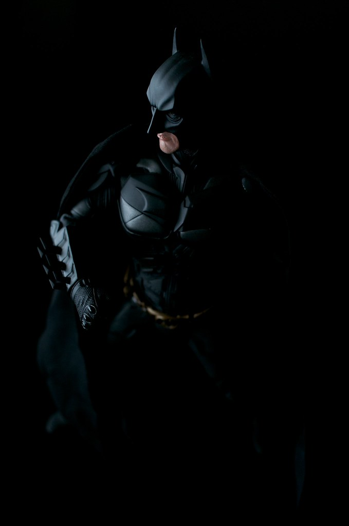 Hot Toys Batman The Dark Knight 1/6 Scale
