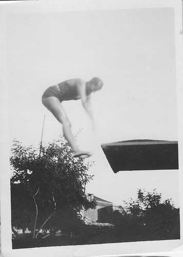 Competición en la piscina de la Escuela de Gimnsasia de Toledo en 1934. Fotografía de Eduardo Butragueño Bueno