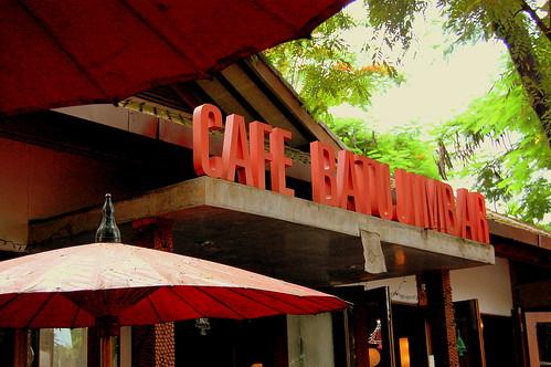 Cafe Batu Jimbar por bkaryadi.