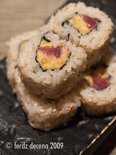 Seryna Spicy Tuna Maki (Php 170/ 6pcs)