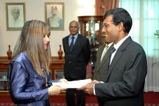 The President  of Maldives Mr. Mohamed Nasheed  appointed Dr. Farahanaz Faisal as the Maldivian High Commissioner for the United Kingdom (11/03/2009) (South Asian Foreign Relations) Tags: for high mr dr united president kingdom maldives commissioner mohamed faisal the maldivian nasheed appointed 11032009 farahanaz