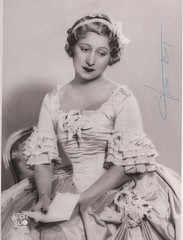 Vina Bovy as Manon in Massenet's opera, 1929 (Historical Opera Singers) Tags: manon 1929 vina soprano bovy massenet
