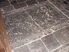 ca. 1510-1526 - 'Jean de Hosden(t) (+1526) and Jeanne (Jehen) de Bro(e)sberg(he) (+1510)', glise Saint-Dsir, Latinne, Braives, province of Lige, Belgium (roelipilami) Tags: church saint st stone century de jean belgium belgique pierre graf incised lapida tomb gothic von belgi iglesia kirche sint van 16th grabstein jeanne armour belgica glise renaissance 1500 kerk luik dalle slab lige belgien dsir funraire armure heusden sepulcro lieja 1510 lttich 16e grafsteen siecle harnas tombale eeuw jahrhundert 1526 grafzerk braives hosdent roelipilami grafplaat hosden latinne brosberg broesberg broesberghe brosberghe brosberge broesberge jehen