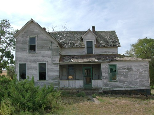 Uniontown Farmhouse, Front