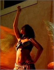 Cut (Sundust_L) Tags: show light girl festival contrast evening abend ballerina artist dancer tuscany toscana festa soir toscane luce tarde sera spettacolo toskana maremma contrasto campigliamarittima danzatrice apritiborgo