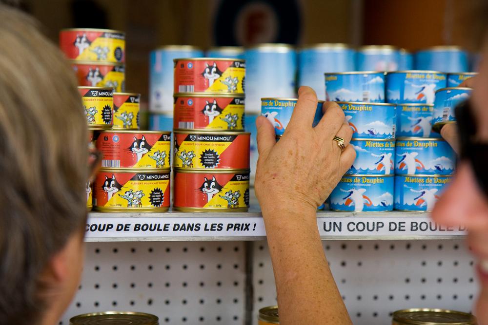 Supermarché Ferraille - Des clients en pleine fièvre consumériste