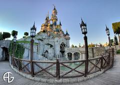 Another world (A.G. Photographe) Tags: france castle mouse nikon wayne jim disney mickey company disneyworld pluto minnie nikkor chateau walt souris eurodisney mortimer parc franais hdr macdonald anto fausset xiii 16mmfisheye d700 antoxiii allwine hdr9raw