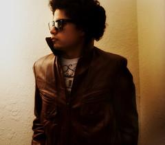 warmer (josue_bo) Tags: light red white black texture sunglasses wall shirt grey wine mexican leatherjacket wayfarer warmer raybban