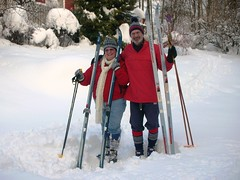 DianeCA and RennyBA skiing in Norway #2