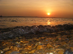 sunset on weston shore (Matthew :)) Tags: light sunset waves stones sunsets southamptonwater challengeyouwinner a3b