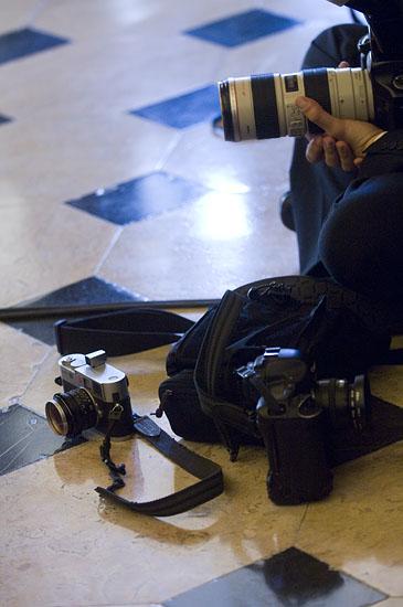 M8 ao lado das primas mais crescidas da Canon. Enfim... turismo!