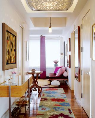 Hall Decorating Ideas on Colorful  Modern  Eclectic  Ideas For The Hallway  From Elle Decor