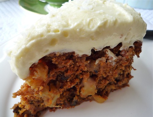 carrot and pineapple cake with lemon frosting