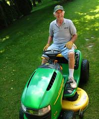 green grass michigan bob photoaday lawnmower mower trimming johndeere mowing yardwork year3 ridinglawnmower project365 wwwbilladayblogspotcom