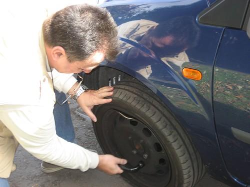 Cambiando la rueda