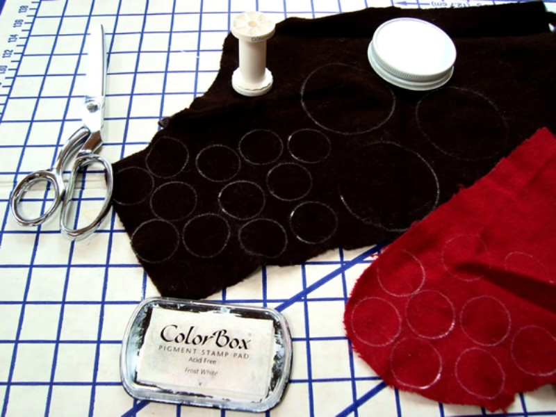 DIY cut felt circles paillettes