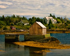 blue rocks fishing shed (-liyen-) Tags: canada novascotia atlanticocean maritimes eastcoast fishingvillage sunnyday d300 bluerocks seafishing challengeyouwinner fishingshed nikond300