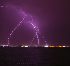 Kuwait Lightning 17/5/2011 (ZiZLoSs) Tags: canon eos may 7d lightning kuwait aziz برق sigma1020mm 2011 abdulaziz عبدالعزيز zizloss المنيع مايو 3aziz almanie httpzizlosscom