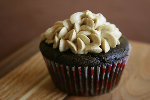 chocolate cupcake with peanut buttercream frosting