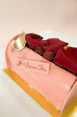 Bûche de Noël Framboise Petals Rose, Laduree, Ginza Mitsukoshi