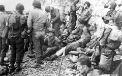 Operation Overlord: American assault troops at Omaha Beach (aluizbsilva) Tags: vintage soldier military ww2 dday