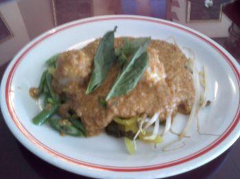 Rainbow Thai Spaghetti