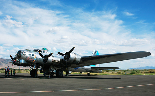 B-17 Bomber right side