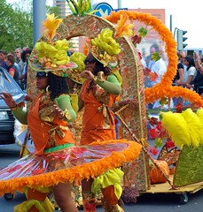 25years Zomer-Carnaval 2009 in Rotterdam (Andy von der Wurm) Tags: woman holland netherlands girl female youth costume rotterdam jung erotic bbw young parade teen latina frau 2009 niederlande erotik erotisch kostm summercarnival zomercarnaval kostuem twen hobbyphotograph sommerkarneval andreasfucke