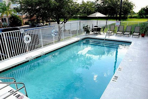 Outdoor Pool At Venice FL Lodging
