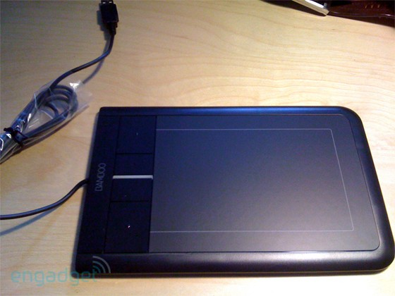 Wacom Bamboo multitouch tablet is real, we've got pics to prove it
