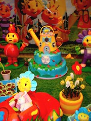 SWEET SUGAR - Atelier do Acar By Michelle Lanza - FIFI e FLORIGUINHOS 2 (SWEET SUGAR By Michelle Lanza) Tags: aniversario cupcakes oficial bolos sweetsugar docinhos festainfantil bolosdecorados bolosmodelados atelierdoacarbymichellelanza