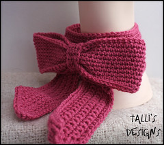 Sweetness Bow Neckwarmer (by tallybates)