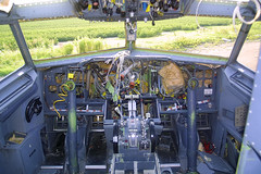 Boeing 737 Bare Cockpit (AV8NLVR) Tags: mississippi airplane aircraft aviation jet greenwood boeing 737 stockphoto usair usairways gwo kgwo n412us bruceleibowitz