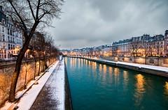 Un paseo por el Sena (dani.Co) Tags: trip travel snow paris france night ro river holidays europa europe nieve nevada explore francia pars sena senne explored danico