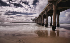 Manhattan Beach Pier (Daryl's World TTL) Tags: ocean california beach hacker hack flickrmeet funinthesun manhattanbeachpier notarealphotographer topazadjust