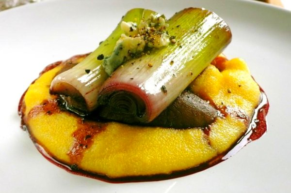 wine braised leeks with mushrooms, polenta, and gorgonzola