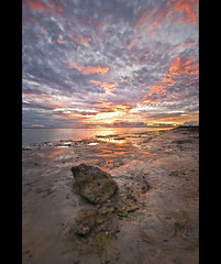 Stormy sunset (N) Tags: sunset sky sun seascape sol stone clouds skyscape landscape atardecer nikon shiny paisaje cielo nubes maldives brillo piedra maldivas the4elements n noevlad noeliamagnusson wwwnoeliamagnussoncomnnoemagnusson nmagnusson