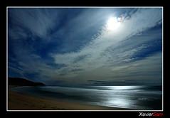 Plenilunio en Calblanque (Carlos J. Teruel) Tags: longexposure espaa moon mar nikon paisaje murcia reflejo nocturna nocturnas d300 blueribbonwinner calblanque plenilunio 18200vr xaviersam
