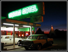 Wigwam Motel - Route 66. Holbrook, Arizona (Vintage Roadside) Tags: arizona cars sign route66 neon lodging motel roadtrip signage holbrook wigwamvillage wigwammotel oldmotel route66motel vintageroadside neonmotelsign route66neonsign
