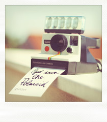 God save the Polaroid. (Giacomo Staffolani ) Tags: camera old film vintage polaroid sx70 1971 zoom films magic flash save best retro explore 600 views faux polaroids lente 1000 landcamera obiettivo pellicola retr polaroid1000 savepolaroid savethepolaroid