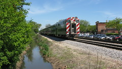 Southbound Metra commuter local. Glenview Illinois. May 2009.
