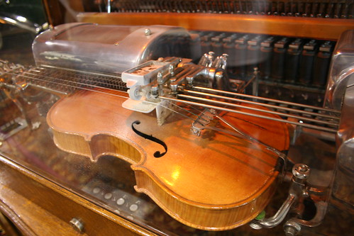Violin Machine
