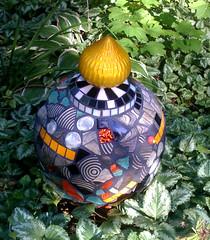 Garden Urn (Moe's Ache) Tags: garden mosaic cappi moesache moesachestudio