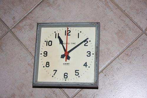 Gents slave clock