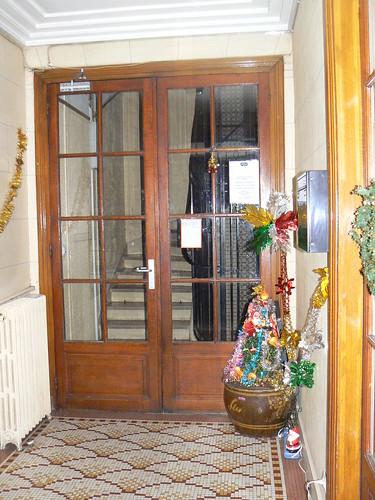 villa guelma paris entryway