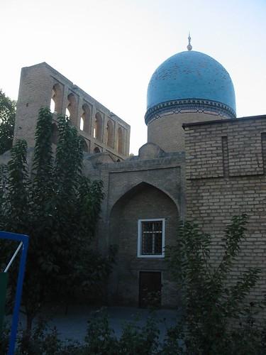 Eén van de drie mausolea