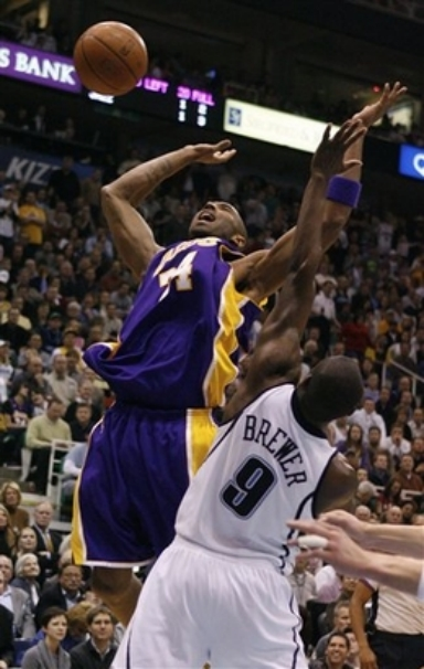 Kobe overacts