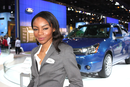 Chicago Auto Show 2009 – Car Babes!
