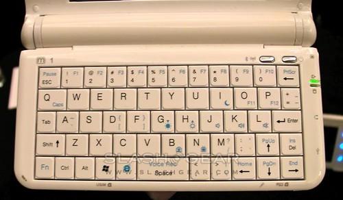 umid-m1-mid-mwc09-slashgear-07-androidcommunitycom